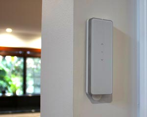 Photo of remote control for a curtain and vblind motorisation system