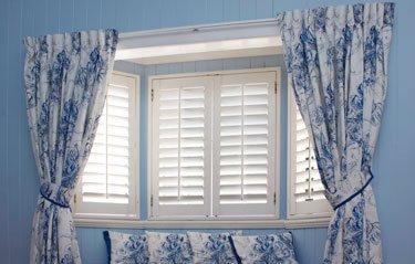 Custom bedroom Curtains with Tiebacks and Soft Furnishings